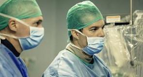 Pacient cardiac, salvat datorită unui dispozitiv valvular folosit pentru prima oară în România