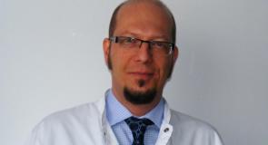 """Dr. Cristian Ioniţa, medic primar ORL, doctor in stiinţe medicale, cu supraspecializarea foniatrie / Institutul de Fono-Audiologie şi Chirurgie Funcţionala ORL """"Prof. Dr.Hociota"""", Bucuresti: """"Specialitatea ORL s-a dezvoltat continuu in ultimele patru decenii, in special prin perfecţionarea tehnicilor si tehnologiilor chirurgicale si de investigare diagnostica"""""""