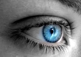 Cum poți scăpa de ochelarii de vedere – recomandări de la medicii oftalmologi