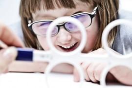 Cum evaluăm ochii copilului acasă