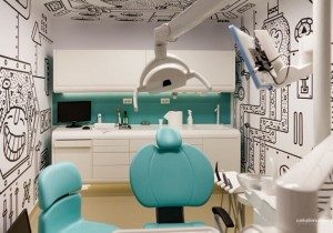 Cum avem grijă de dantura celor mici și cum putem economisi bani la medicul dentist?
